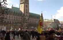 Auf dem Rathausmarkt Hamburg JA zu 100%